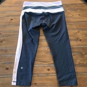 LULULEMON Rare Side Striped Crop Leggings SZ 6
